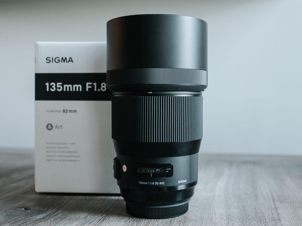 Sigman 135mm ja 1.8-aukkoinen Bokeh-monteri on potrettikuvaajan unelma.