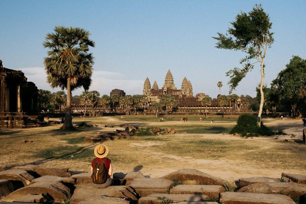 Auringon lasku Angkor Watissa. Kuva: Anssi Lepikko.
