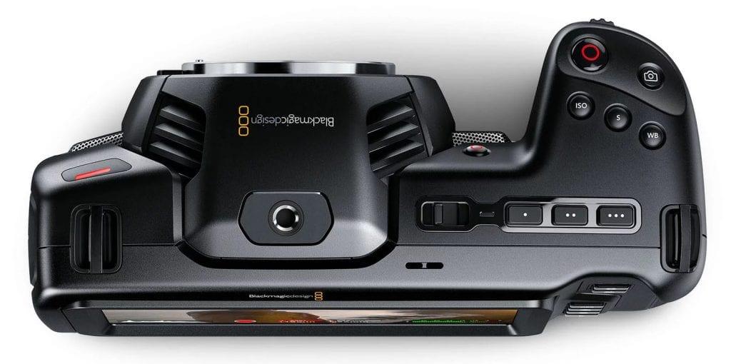 Blackmagic 4K Pocket Cinema Camera ylhäältä kuvattuna.