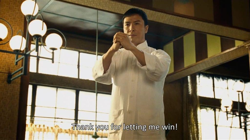 Ip Man kunnioittaa vastustajaansa voiton jälkeen.