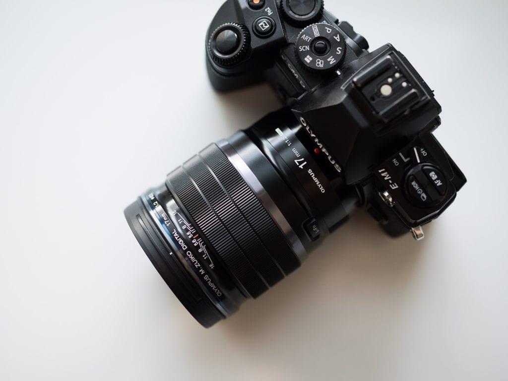Olympus E-M1 ja 17mm f/1.2 Pro m.Zuiko