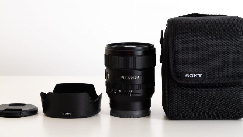 Sony FE 24mm f/1.4 GM objektiivin mukana tulevat asiat
