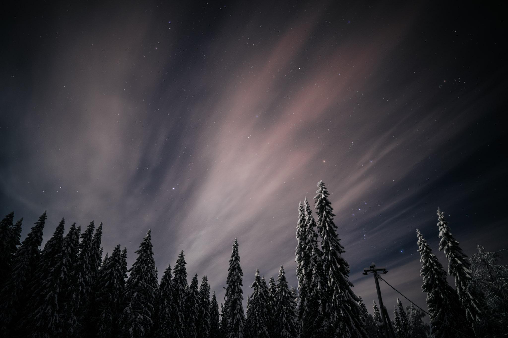 tähtikuvausta Jyväskylässä Sonyn A7R3 kameralla ja 24mm GM-sarjan objektiivilla