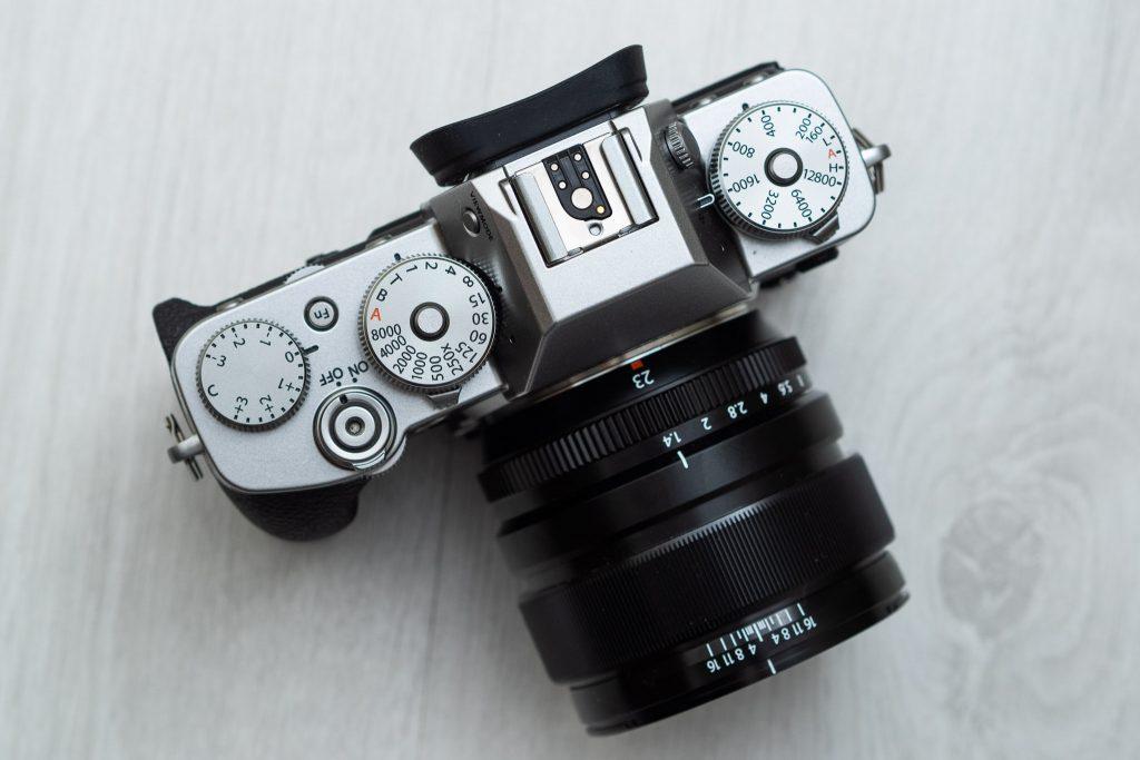 Kuva Fuji X-T3:n säätimistä.