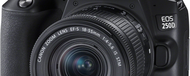 Canon EOS 250D järjestelmäkamera edestä.