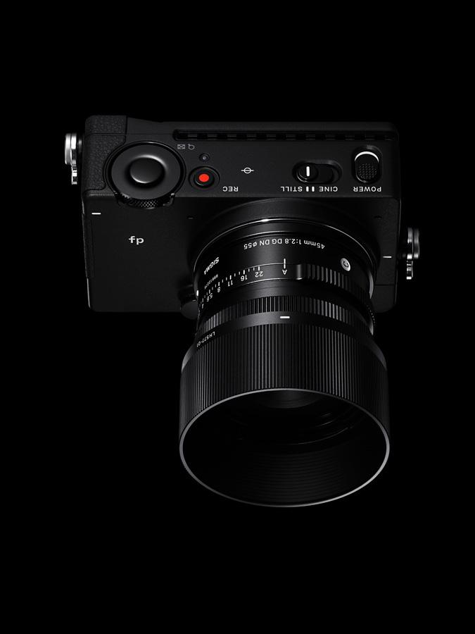 Sigman fp ja 45mm 2.8 -objektiivi